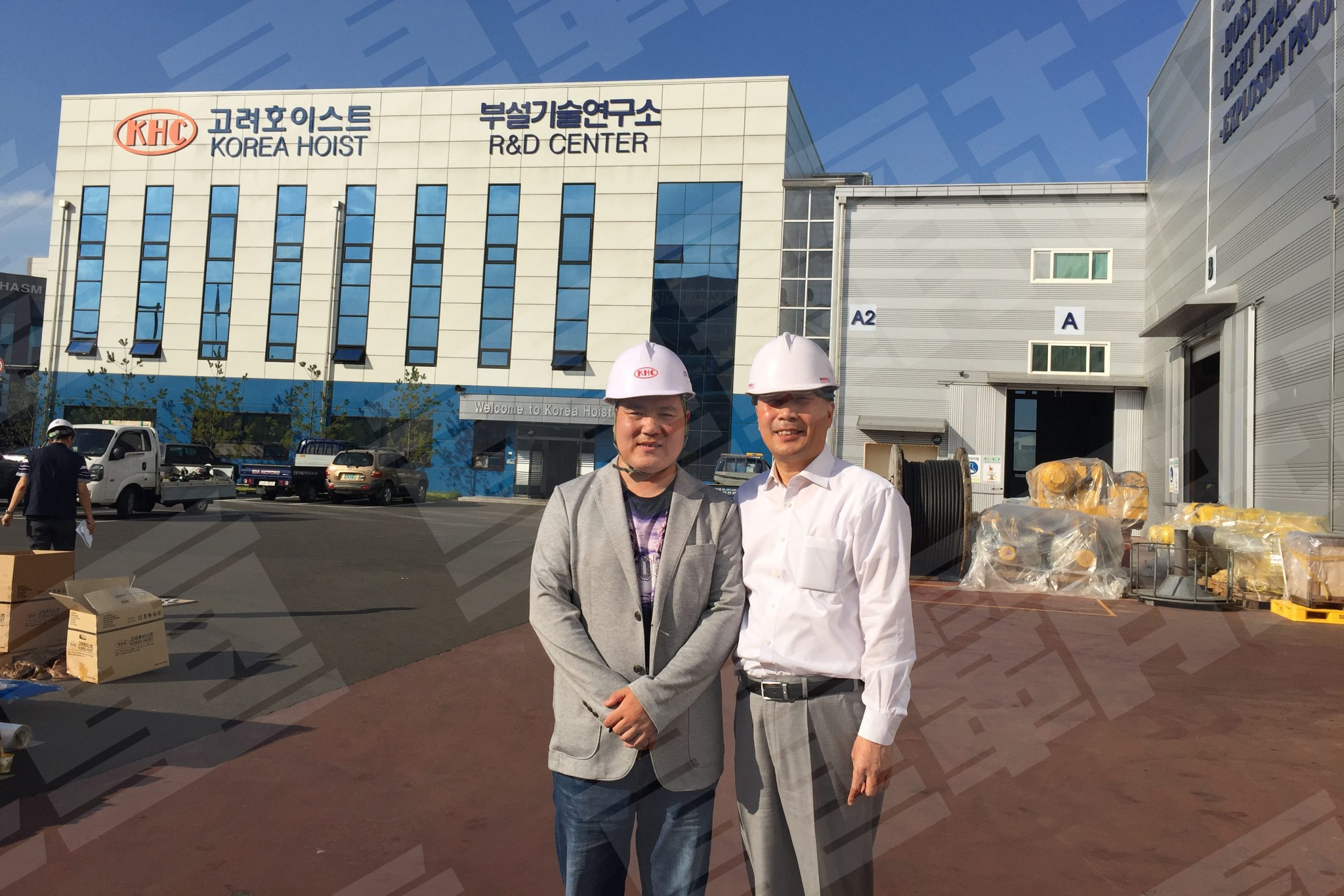 重霸起重领导参观韩国工厂